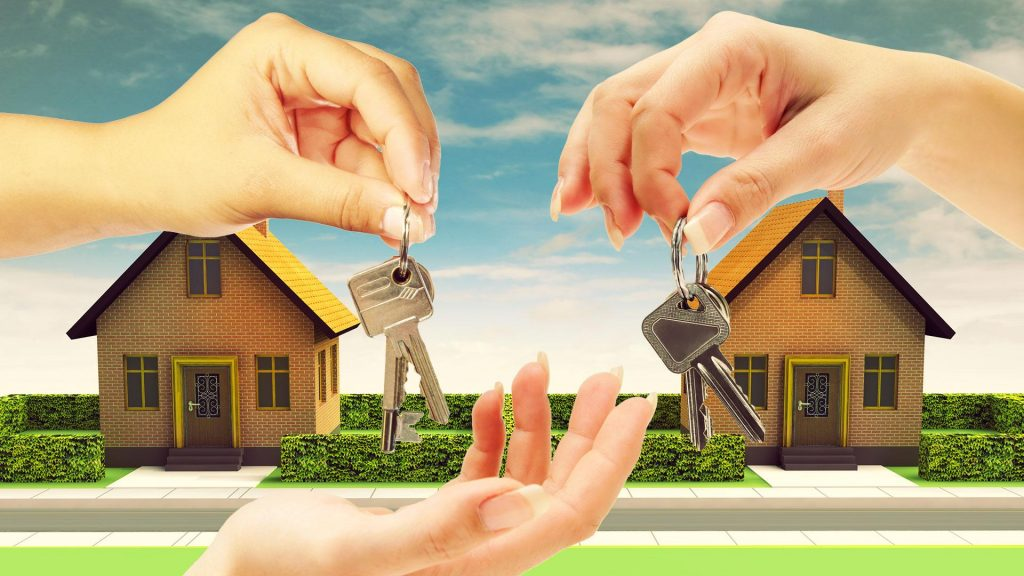 Foreign Freehold Vs. Leasehold Ownership in Thailand hand the keys